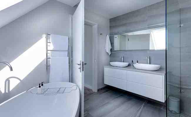 Comment poser un sol PVC dans une salle de bain ?